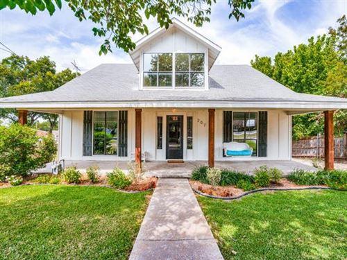 Photo of 207 N Main Street, Farmersville, TX 75442 (MLS # 14650061)