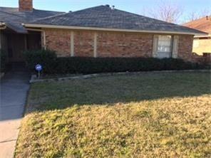 Photo for 2102 Teakwood Lane #A, Plano, TX 75075 (MLS # 13952062)