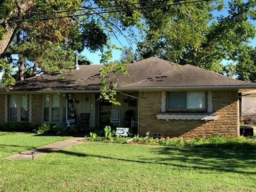 Photo of 512 W Hughes Street, Collinsville, TX 76233 (MLS # 14372065)