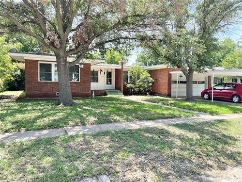 Photo of 1207 W Wheeler Street, Breckenridge, TX 76424 (MLS # 14601066)