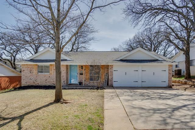 1035 Meadowbrook Drive, Grapevine, TX 76051 - #: 14529068