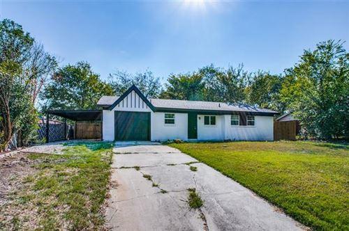 Photo of 816 Comal Avenue, White Settlement, TX 76108 (MLS # 14673069)