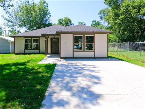 Photo of 118 E Bond Street, Denison, TX 75021 (MLS # 14407073)