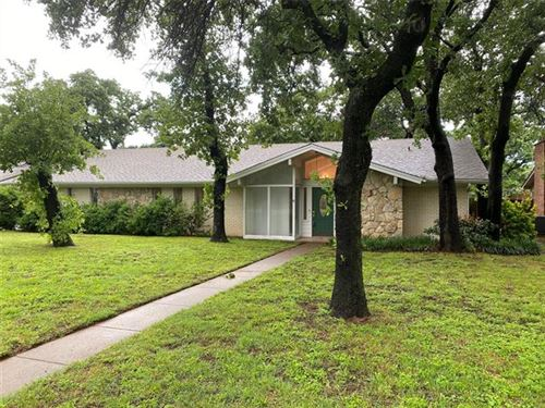 Photo of 1409 Woodway Drive, Hurst, TX 76053 (MLS # 14580073)
