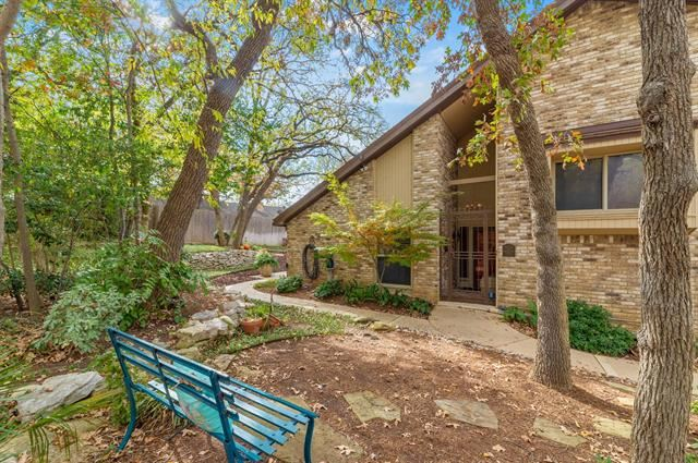5902 Chimney Wood Circle, Fort Worth, TX 76112 - #: 14474073