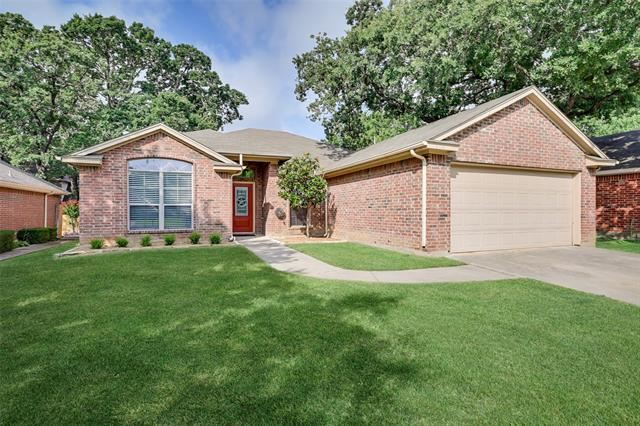 516 Oakbrook Drive, Burleson, TX 76028 - MLS#: 14608074
