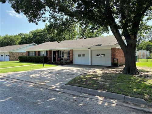 Photo of 311 Willow Way, Gainesville, TX 76240 (MLS # 14378077)