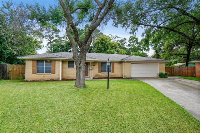 1112 Elaine Drive, Irving, TX 75060 - MLS#: 14619081