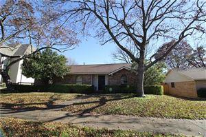 Photo of 6812 Huff Trail, Dallas, TX 75214 (MLS # 13755082)