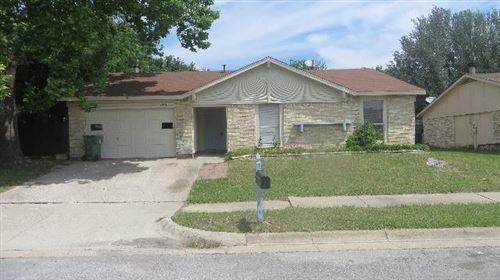 Photo of 1717 Glenview Lane, Arlington, TX 76014 (MLS # 14688082)
