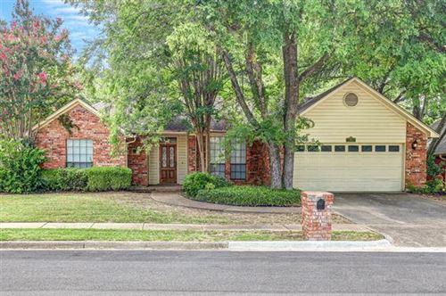 Photo of 315 Eastwood Drive, Keller, TX 76248 (MLS # 14396087)