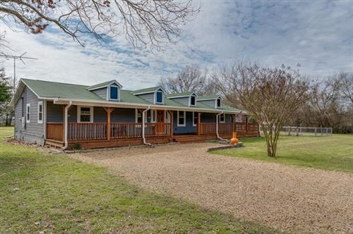 Photo of 329 Vz County Road 3810, Wills Point, TX 75169 (MLS # 14291094)