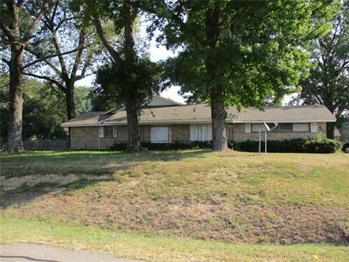Photo of 806 W Lennon Dr., Emory, TX 75440 (MLS # 14662096)