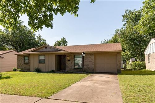 Photo of 4640 Ridgepoint Drive, Dallas, TX 75211 (MLS # 14359097)