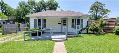 Photo of 528 W Florence Street, Denison, TX 75020 (MLS # 14602097)