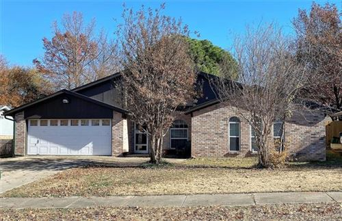 Photo of 6412 Simmons Road, North Richland Hills, TX 76182 (MLS # 14488098)