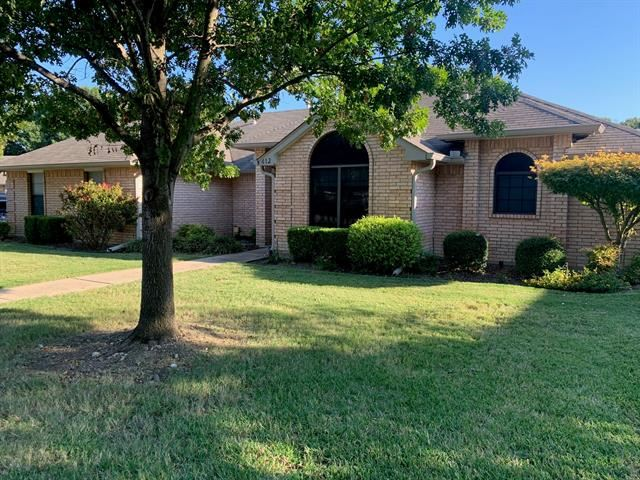 412 Meadows Crest Court, Midlothian, TX 76065 - #: 14461098