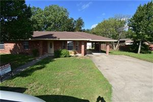 Photo of 102 Debbie Court, Collinsville, TX 76233 (MLS # 14187099)