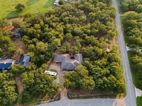 Photo of 900 Ridgewood Circle, Bartonville, TX 76226 (MLS # 14597099)