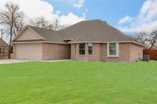 Photo of 205 E DOYLE, Ponder, TX 76259 (MLS # 14215100)