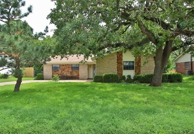 7420 Beckwood Drive, Fort Worth, TX 76112 - #: 14582100