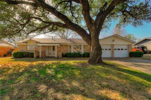 Photo of 6913 Wycliff Street, Fort Worth, TX 76116 (MLS # 14500101)