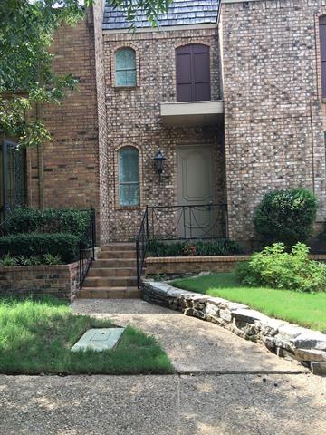 Photo of 1431 Berkeley Lane, Arlington, TX 76015 (MLS # 14689106)