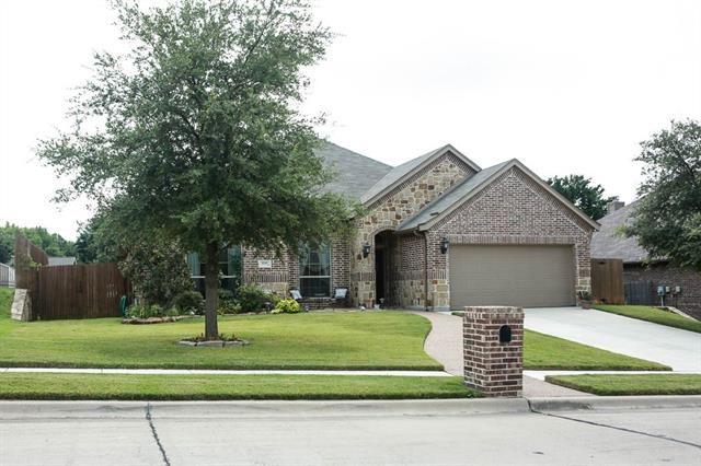 6305 Lakeside Drive, Lake Worth, TX 76135 - #: 14633106