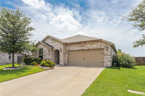 Photo of 552 Ricochet Drive, Fort Worth, TX 76131 (MLS # 14380109)