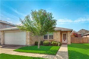 Photo of 1916 Copper Mountain Drive, Fort Worth, TX 76247 (MLS # 14185123)