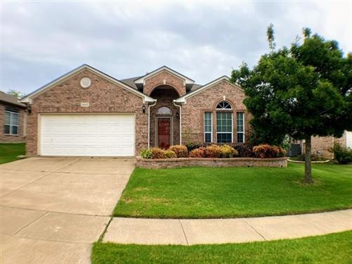 Photo of 4820 Heber Springs Trail, Fort Worth, TX 76244 (MLS # 14643129)