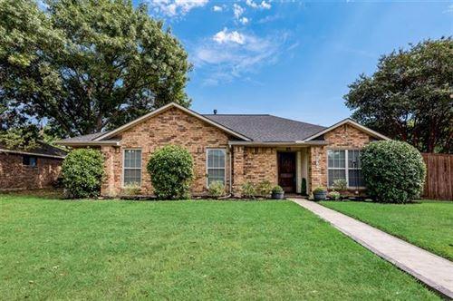 Photo of 2306 Shadyoaks Lane, Rowlett, TX 75088 (MLS # 14674129)