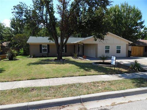 Photo of 136 Anita Avenue, Keller, TX 76248 (MLS # 14423130)