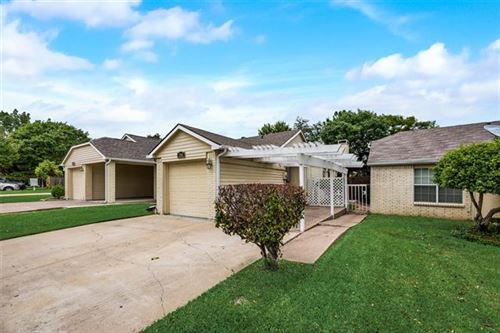 Photo of 5504 Stoney Glen Drive, Mesquite, TX 75150 (MLS # 14577134)