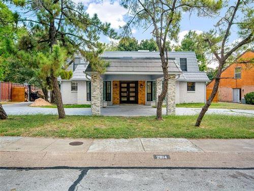 Photo of 2814 S Surrey Drive, Carrollton, TX 75006 (MLS # 14226136)