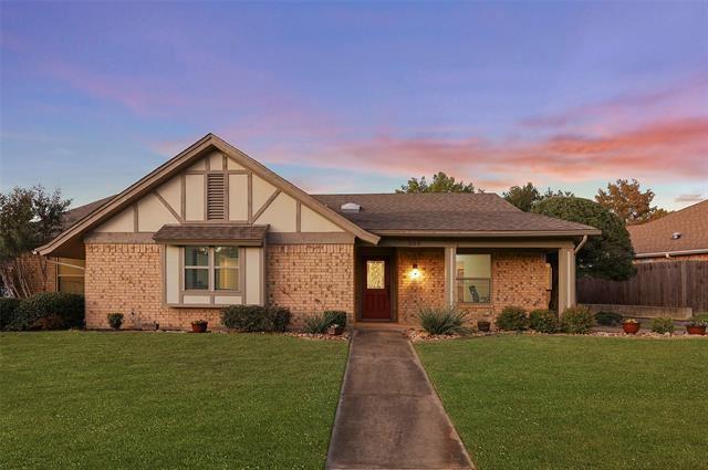 309 Eagle Drive, Bedford, TX 76021 - #: 14461139