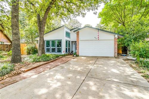 Photo of 405 Twin Oaks Court, Euless, TX 76039 (MLS # 14437140)