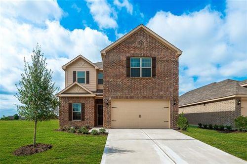 Photo of 921 Primrose Drive, Sanger, TX 76266 (MLS # 14523140)