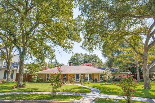 Photo of 827 Teakwood Place, Richardson, TX 75080 (MLS # 14442142)