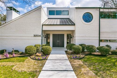 Photo of 3204 Oakhurst Street, Dallas, TX 75214 (MLS # 14263143)