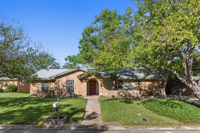 4028 Aragon Drive, Fort Worth, TX 76133 - #: 14424143