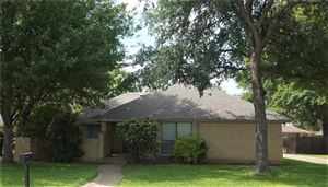 Photo of 1105 Meadow Crest Lane, Mansfield, TX 76063 (MLS # 14094151)
