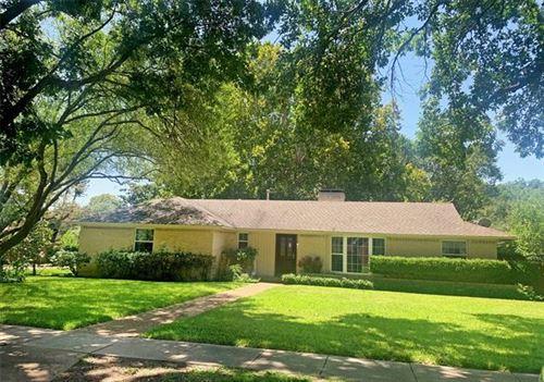Photo of 901 Newberry Drive, Richardson, TX 75080 (MLS # 14406153)