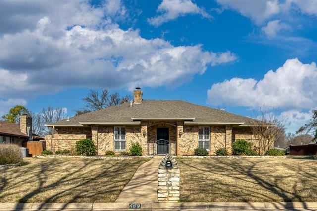 609 Hinsdale Drive, Arlington, TX 76006 - #: 14492153