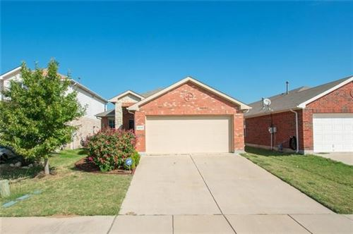 Photo of 5932 Kristen Drive, Fort Worth, TX 76131 (MLS # 14504157)