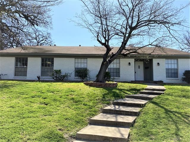 625 Caduceus Lane, Hurst, TX 76053 - #: 14537157