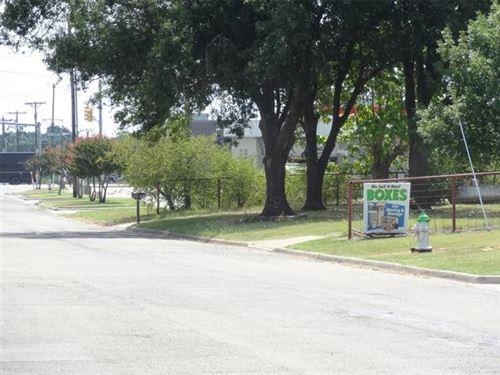 Photo of 1301 Silo Road, Bonham, TX 75418 (MLS # 14641169)
