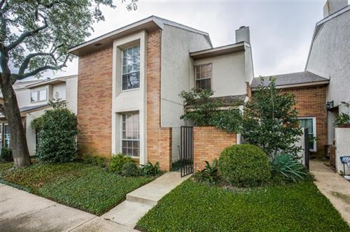 Photo of 13124 Burninglog Lane, Dallas, TX 75243 (MLS # 14506170)