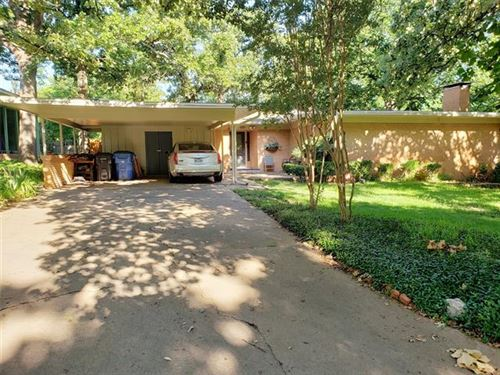 Photo of 919 S French Avenue, Denison, TX 75020 (MLS # 14372172)