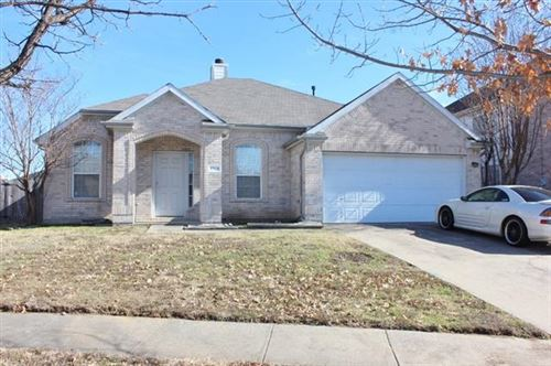 Photo of 7115 Galveston Drive, Arlington, TX 76002 (MLS # 14443176)